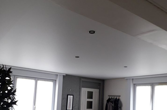 Pose de plafond tendu acoustique Lens